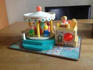 111-fisher-price-draaimolen-02