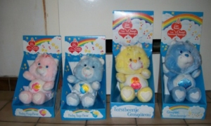 128648249-vintage-care-bears-troetelbeertjes-in-doos-kenner